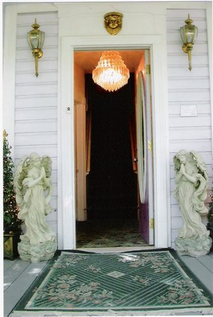 Angel House: The Angels welcome you