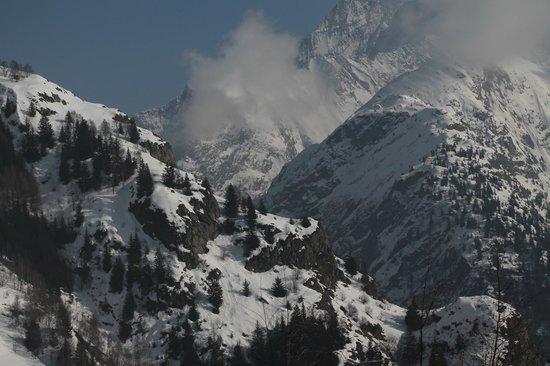 Les Deux Alpes 1800: Virew of the piste