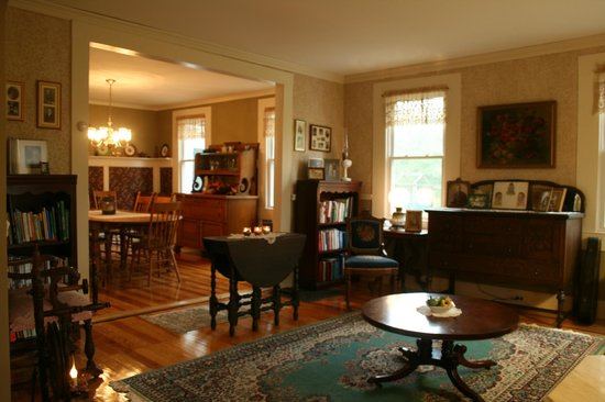 The Alpine Homestead : Looking into dining room from the library