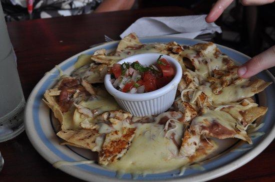 La Candela: Chicken nachos