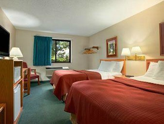 Super 8 Baxter/brainerd Area: Room/Suite