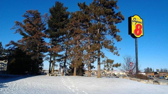 Super 8 Baxter/brainerd Area : Winter view