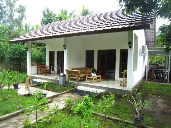 Aza Zil Bungalows : Two of the three bungalows