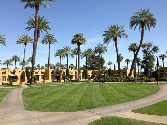 The Wigwam: Entire property is well manicured
