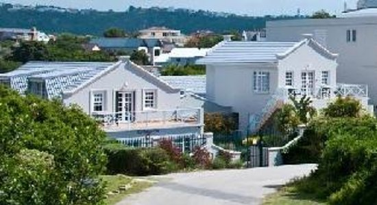 The Robberg Beach Lodge: Front of Cottage Pie - Suites