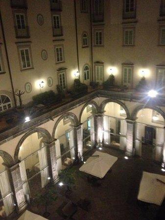 Palazzo Caracciolo Napoli MGallery by Sofitel: vista dal terrazzo di sera