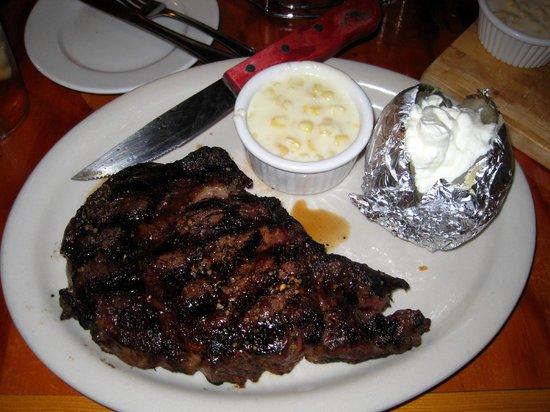 Stroke's Bar & Grill : Rib-eye Steak