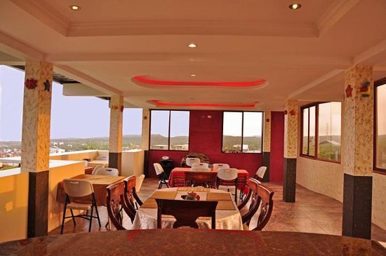 Galapagos Eco Friendly : Galapagos Eco-Lodge Restaurant with Harbor View