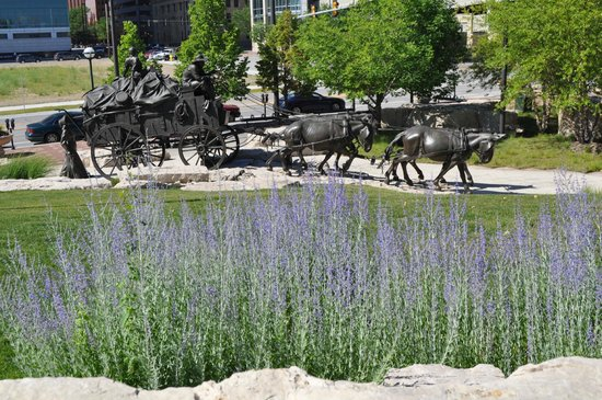First National's Spirit of Nebraska's Wilderness and Pioneer Courage Park: What a beautiful scene right in the middle of downtown Omaha!