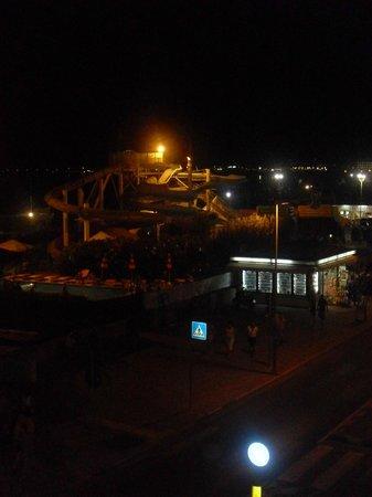 Hotel Gabbiano: dal balcone le piscine della spiaggia