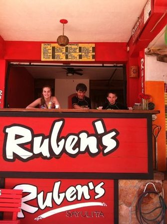 Rueben's Deli: Kids loved the burger and fries.