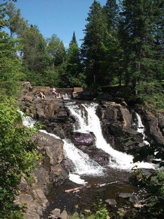 Station Touristique Lac Beauport: Parc des chutes Simons