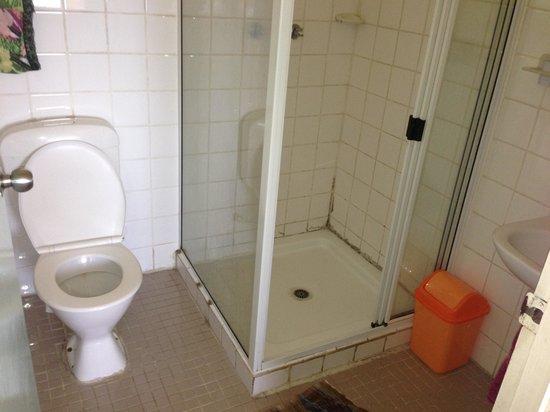 St Agnes Mothers Union Guest House : bathroom