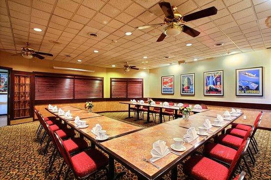 Clarion Inn University Plaza: Meeting Space
