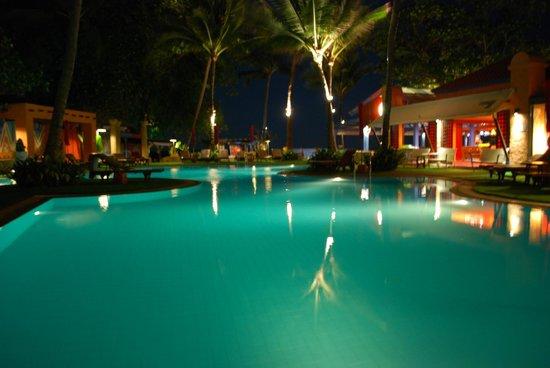 Baan Samui Resort : Piscine