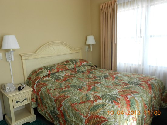 The Enclave Hotel & Suites: Main Bedroom