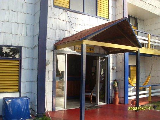 Hotel Boutique Alma de San Andres : esta es la entrada a la recepcion