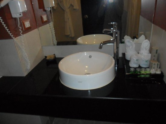 Andakira Hotel: bathroom