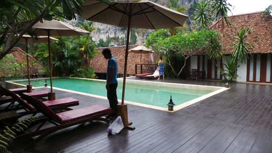"The Cliff Ao Nang Resort: the resort is small, this is the pool and ""bungalows"" surounds this place that's all"