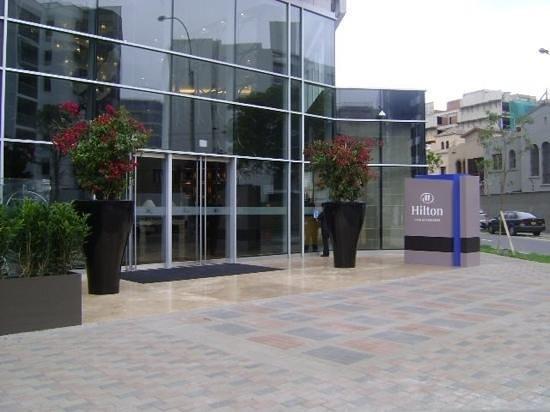 Hilton Lima Miraflores: entrance!