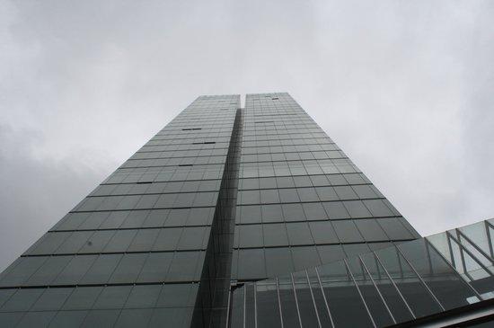 Distrito Capital: Hotel building
