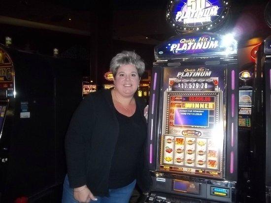 Twin pine casino review slot machines progressive