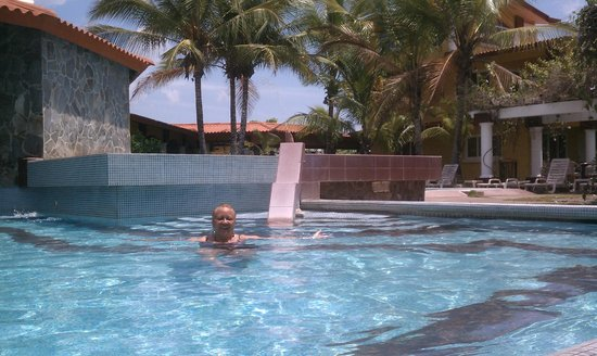 Hotel Las Olas Beach Resort: pool