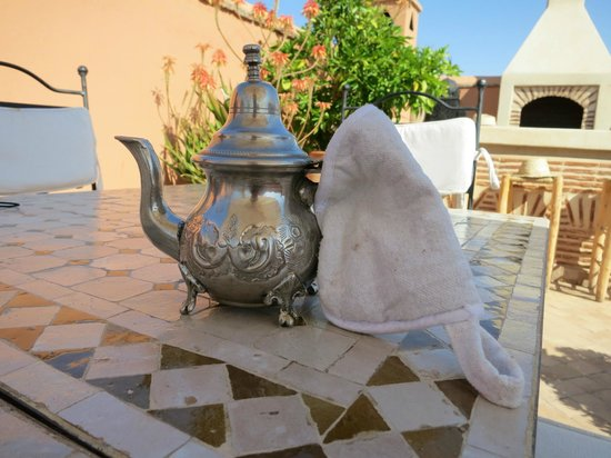 Riad Ma'ab: Mint tea