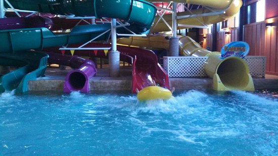 Red Jacket Mountain View Resort & Water Park: Red Slide - Double Tube