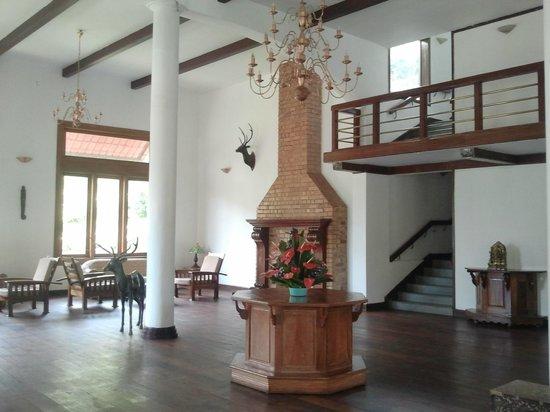 Lobby of Oak Fields