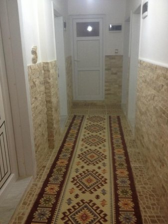 Sinter Terasse House Hotel : Hall donnant sur 4 chambres