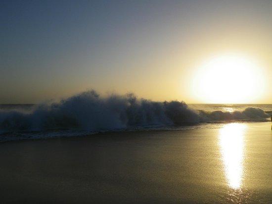 Hotel Riu Touareg : Waves