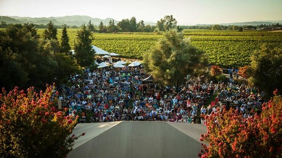 Rodney Strong Vineyards : Annual Summer Concert Series