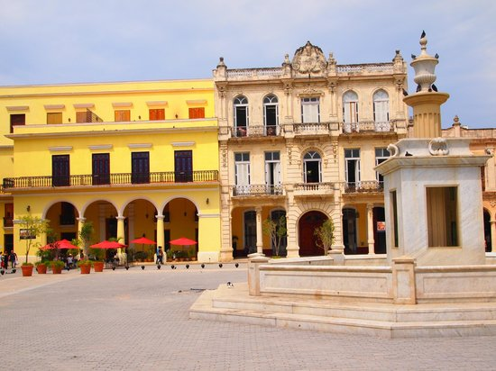 Place Vieille (Plaza Vieja) : Timeless
