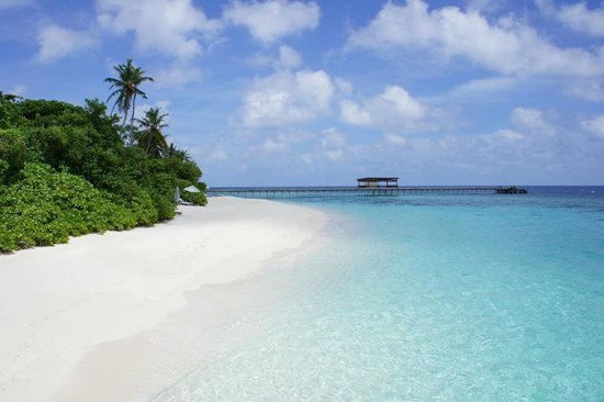 Park Hyatt Maldives Hadahaa: Pristine beach and water