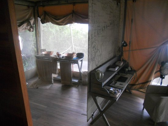 Wilderness Safaris DumaTau Camp: Tent 1 sinks (shower not shown)