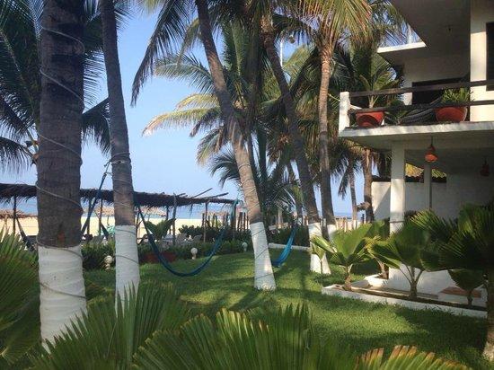 Hotel Casa Blanca: Habitaciones, jardín y hamacas