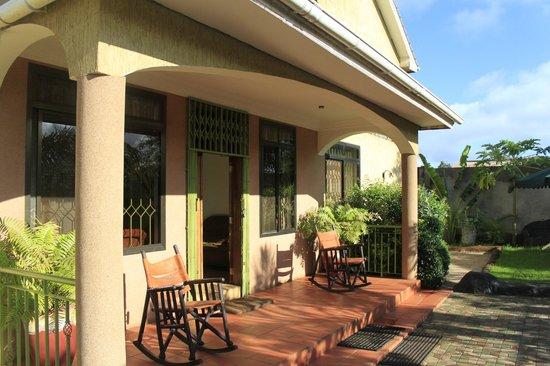 Korona House: Front porch