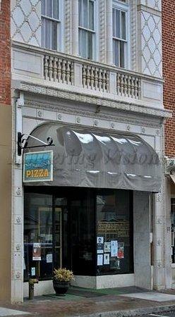 Shenandoah Pizzza : Street view of restaurant