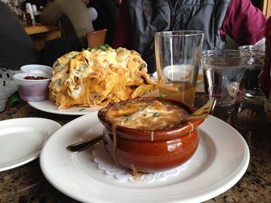 Jack Creek Grill: nachos n French onion soup