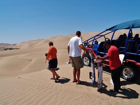 NAZCA PERU 4X4: sand boarding