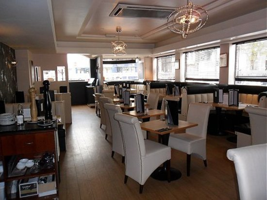 Bar 1 Restaurant: getlstd_property_photo