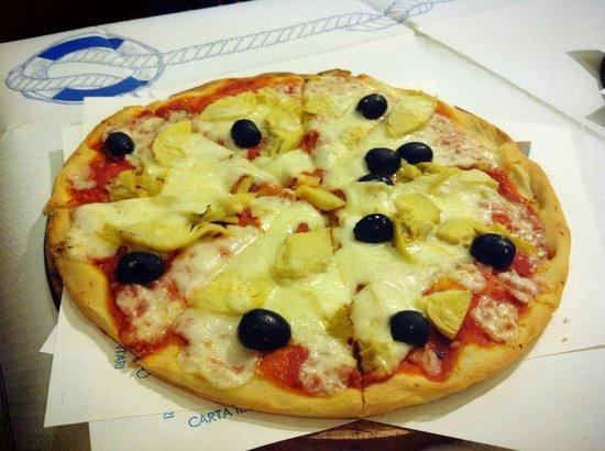 Pizzeria Gran Varignano: Pizza Cotto Olive e Carciofi
