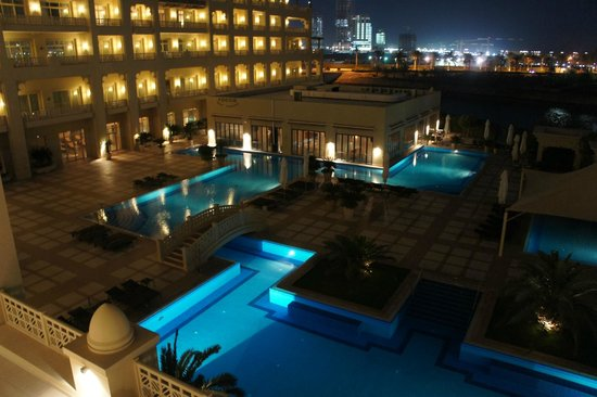 Grand Hyatt Doha Hotel & Villas: Beautiful Architecture