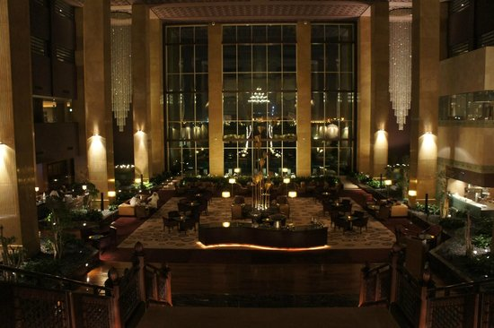 Grand Hyatt Doha Hotel & Villas: Grand Lobby