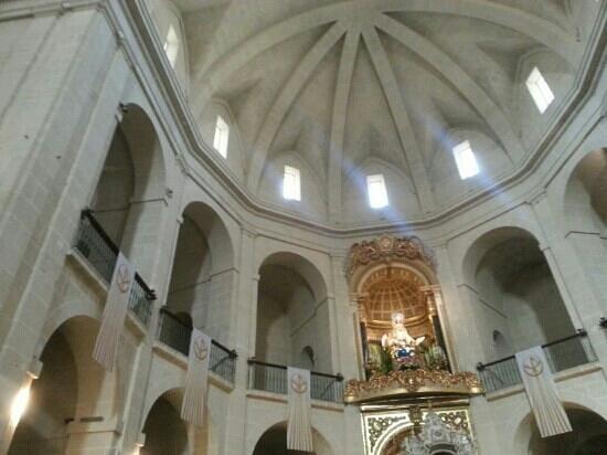 Concatedral de San Nicolás de Bari: the church