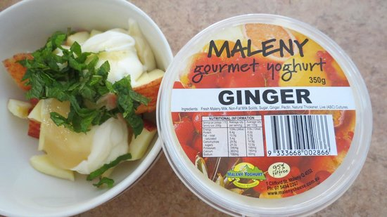Maleny Cheese: delicious Ginger pictured here with sliced apple and mint
