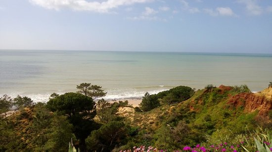Alfagar II Aparthotel: Beach walk
