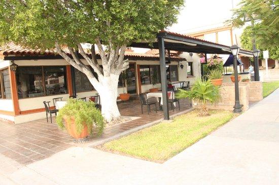 Bugambilia Hermosillo: Terraza