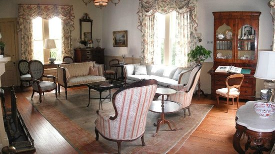 Horace Williams House: 1880s Parlor